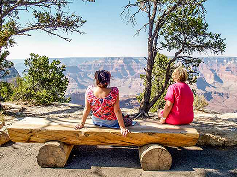 Relaxing on the rim walk at Grand Canyon South Rim